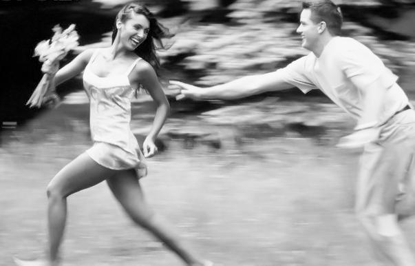 Как сделать чтобы моя девушка бегала за мной 171